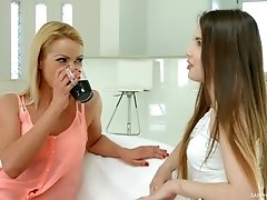 Cherry Kiss licks and fingers Elle Roses lesbian pussy