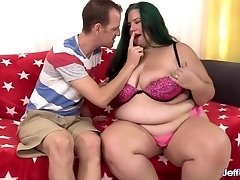 Plumper Becky Butterfly Rides a Tiny Man