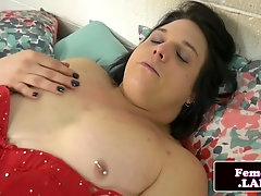 Hugeass alluring trap teases her butthole