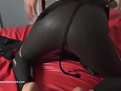Wetsuit vibrator