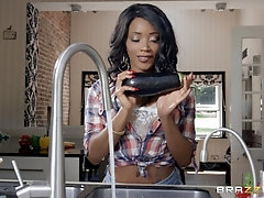 Hardcore kitchen ass fuck with bombshell ebony babe Kiki Minaj