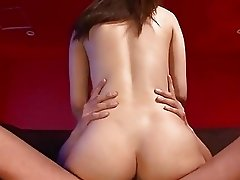 Hot oriental darling mesmerizes with oral job