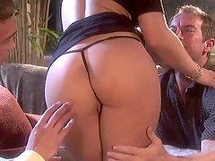 Irresistible blonde Darryl Hanah spreads her long legs for stranger's penis