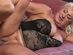 Horny granny with juicy cellulite ass fucked hardcore on the couch