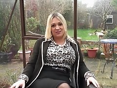 British big breasted mom playing with herself while fingering outdoor