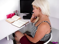 Juggy blond secretary Lu Elissa is masturbating twat in the office