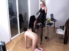 Bizarrlady Jessica kicks slaves