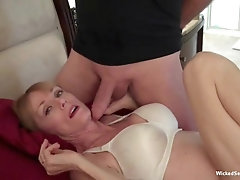 Awesome amateur babe filmed at home. Sex tape from the great Wicked Sexy Melanie.