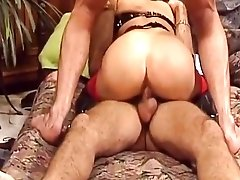 Big tits retro brunette in nylon stockings got pleased with double penetration