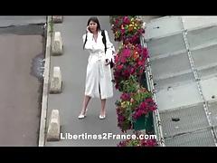 Gang bang apres une exhib dans les rues de Paris