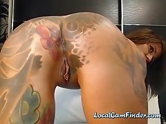 Tattooed camslut has a gem in her dirty butthole