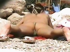 VOYEUR ON THE BEACH 2