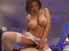 Hot cumshot fills the cunt of this curvy Japanese girl