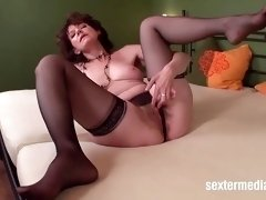 Embroidering haired milf pussy filmed