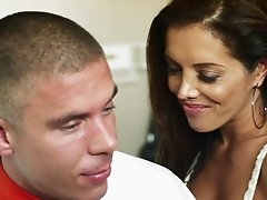 Francesca Le gets her coochie licked and banged in missionary pose