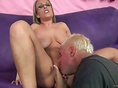 Incredible Jessica Moore Gets Her Pussy Licked Before Going Hardcore