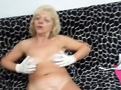 Dirty grandma fingers herself