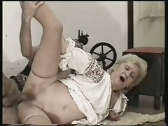 Amateur grandma bouncing on a thick cock before facial cumshot