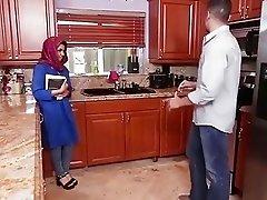 Hijab teen Ada creampied