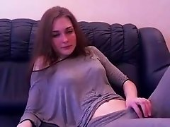 Camgirl can't stop squirting