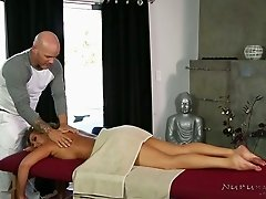 Boobalicious fair haired mommy Richelle Ryan likes getting naughty with horny massage therapist